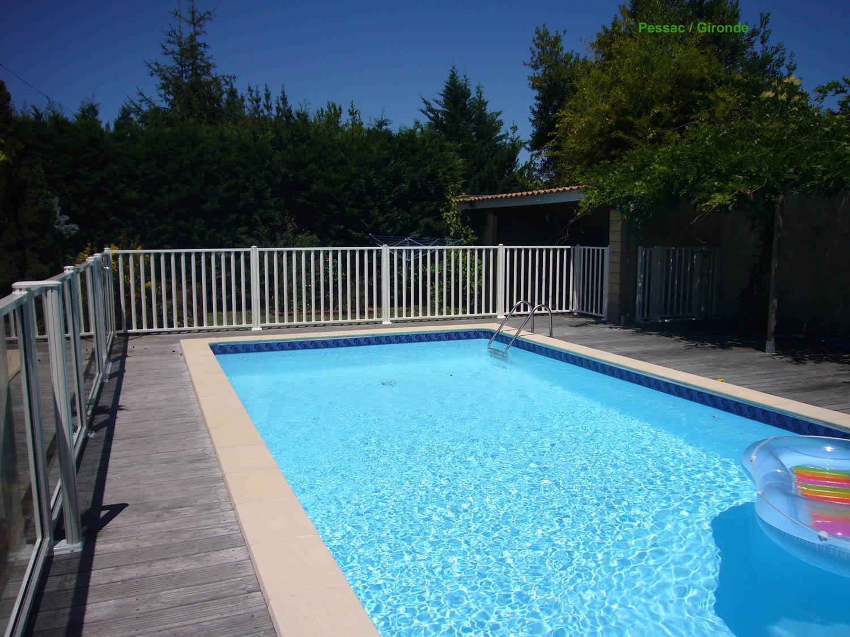 Prix barriere piscine elegant barriere piscine aluminium for Piscine escamotable